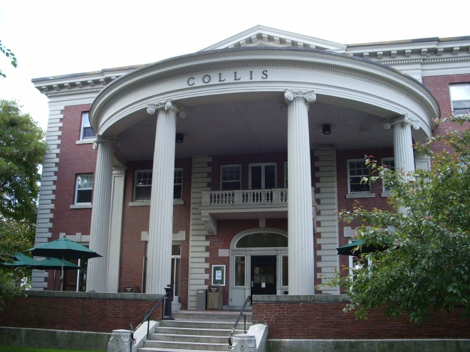 The exterior of the Collis Center at Dartmouth.